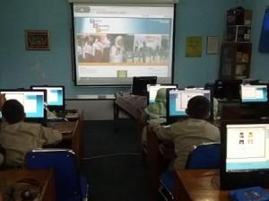 Evaluasi PKn Kombinasikan Lectora dan E-learning